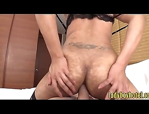 Hot tranny with glasses acquires irritant drilled