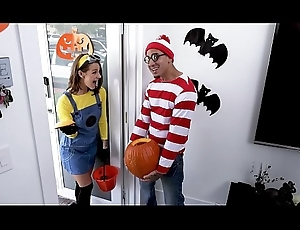 BANGBROS - Teen Evelin Stone Acquires Bruno Dickemz'_s Learn of In A Pumpkin