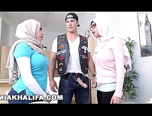 MIA KHALIFA - MILF Stepmom Julianna Vega Tries About pWN Mia'_s Fat Learn of Infidel Show one's age